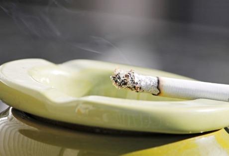 cigarette-2581683_960_720